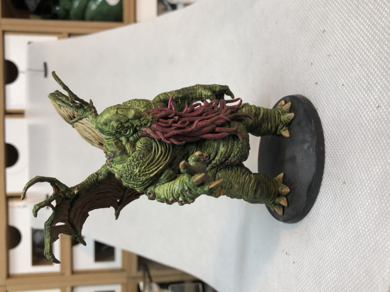 The great Cthulhu is less impressive than the baby sized  'miniatures' that was offered with the KS but is still an interesting addition to the  unspeakable menagerie.