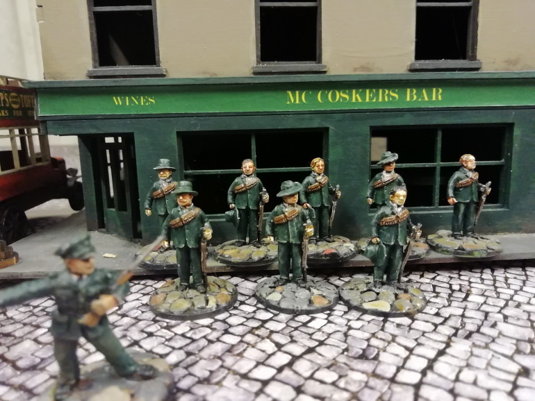 As a diversion from the usual ww1 scenarios I went for the Easter Rising. Footsore do a few Irish fighters but most are Perry miniatures Mafeking Boar war minus I thought would work. I thought about doing this after reading about the Sherwood Foresters being sent to Dublin during the rising. They were new recruits who signed up to fight the Germans and had never fired a shot before. They suffered terribly in street fighting as they uslessly charged buildings in the open an got cut down. We did some games where the Irish had hidden set up.