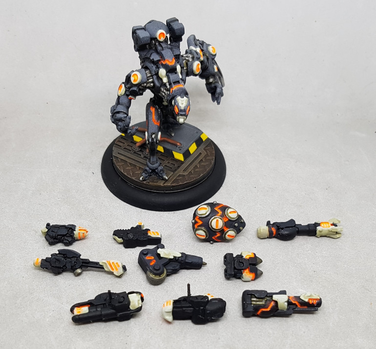 Scourge Warjack with all his magnetised weapon options.  Heavy metal weapons and single point magents do not work well :(
