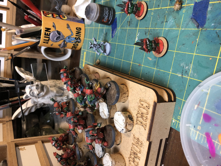 Do not forget painting the markers and coins in the same scheme. I mounted the markers  on 25mm base as they tend to fall over easily otherwise.