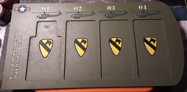 Last weekend i finished this movement tray for the slick platoons (source: Dark Arts Miniatures)