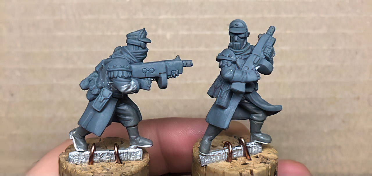 Caravan Outriders On Foot - Crooked Dice