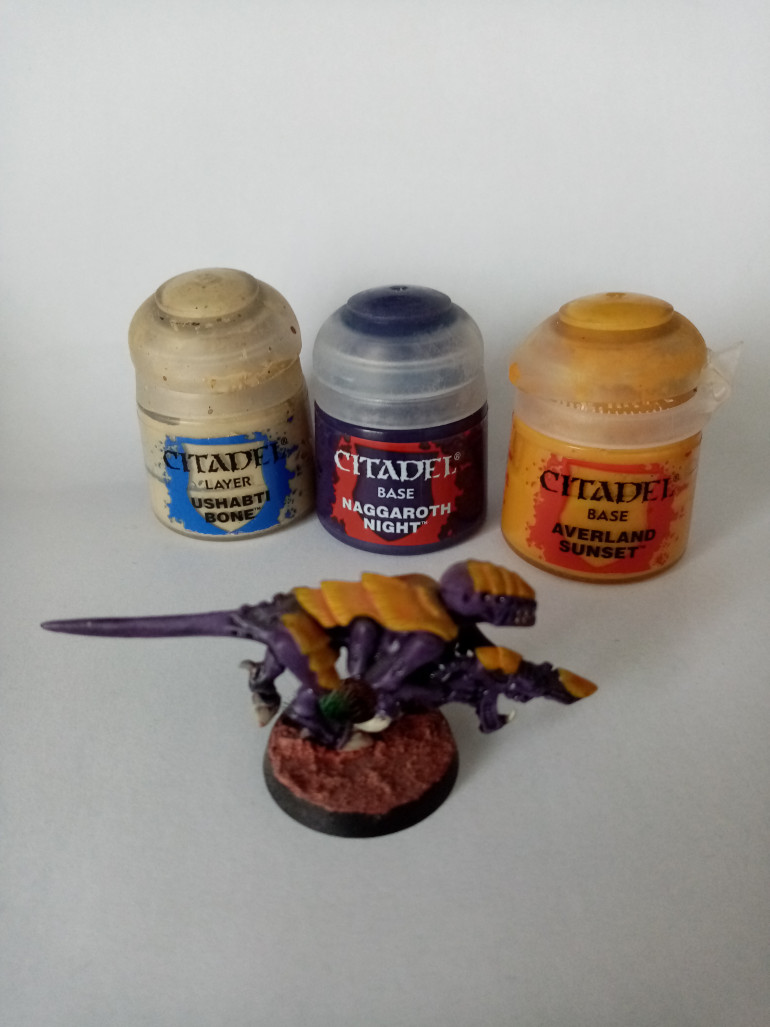 These are the base colours that I use with all my Tyranids. They are Naggaroth Night, Averland Sunset and Ushabti Bone