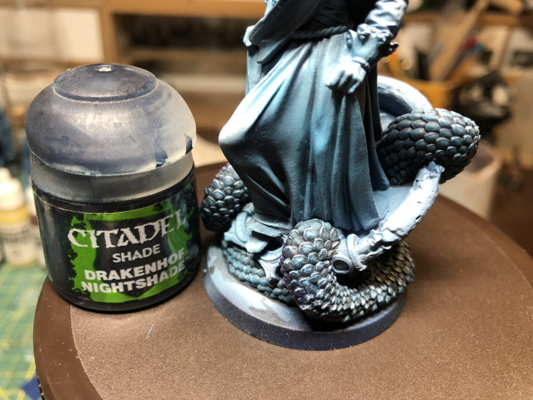 I then applied a diluted wash of GW Drakenhof Nightshade.