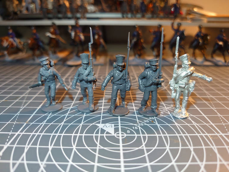 Comparison with Perry Minatures Platics (2 left) and Perry Metal (1 Right)