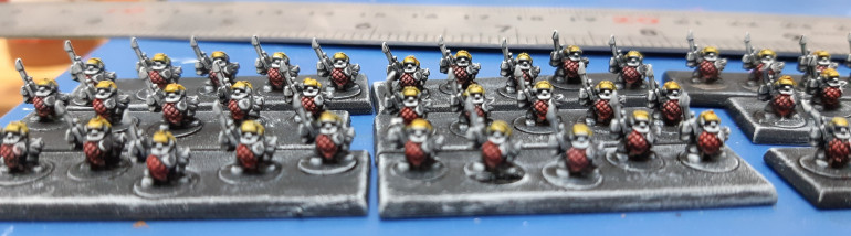 Contrasts used Iyanden yellow on helmets and 50/50 mix blood angels red and medium