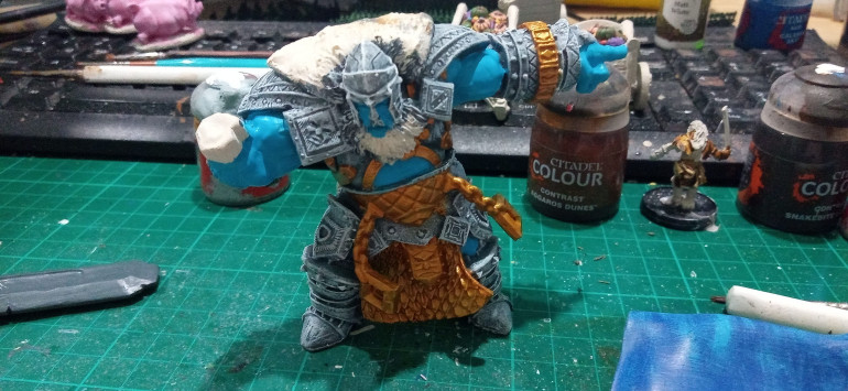 Then the Bronze was painted with Retributor Gold