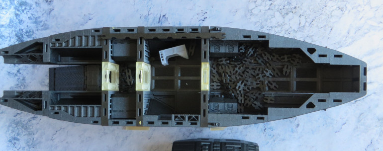 Lower deck doesn't have any internal details printed, and more than that, I need to thonk what I want to put there, as I'm sure I won't be installing all those hibernation chambers the original design suggests.