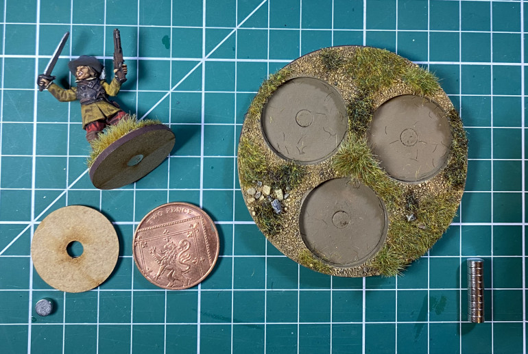 A custom 2p movement tray from Warbases to take 2p bases