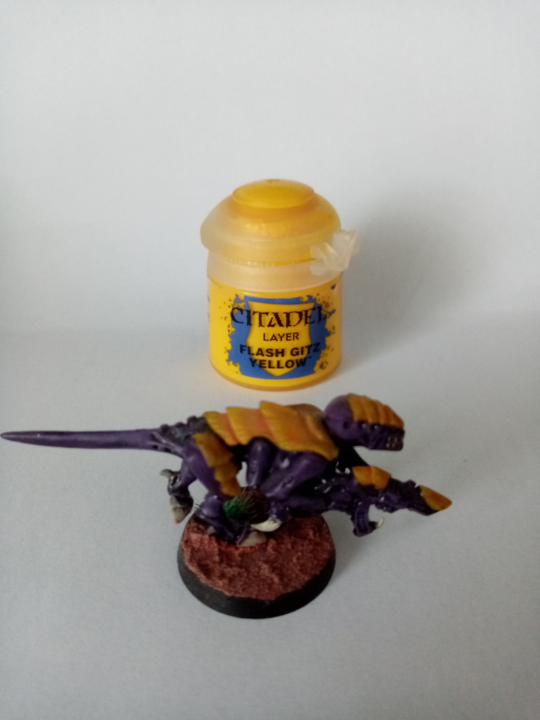 This is Highlight that i put on the shells of all my tyranids it is called Flash Gitz Yellow