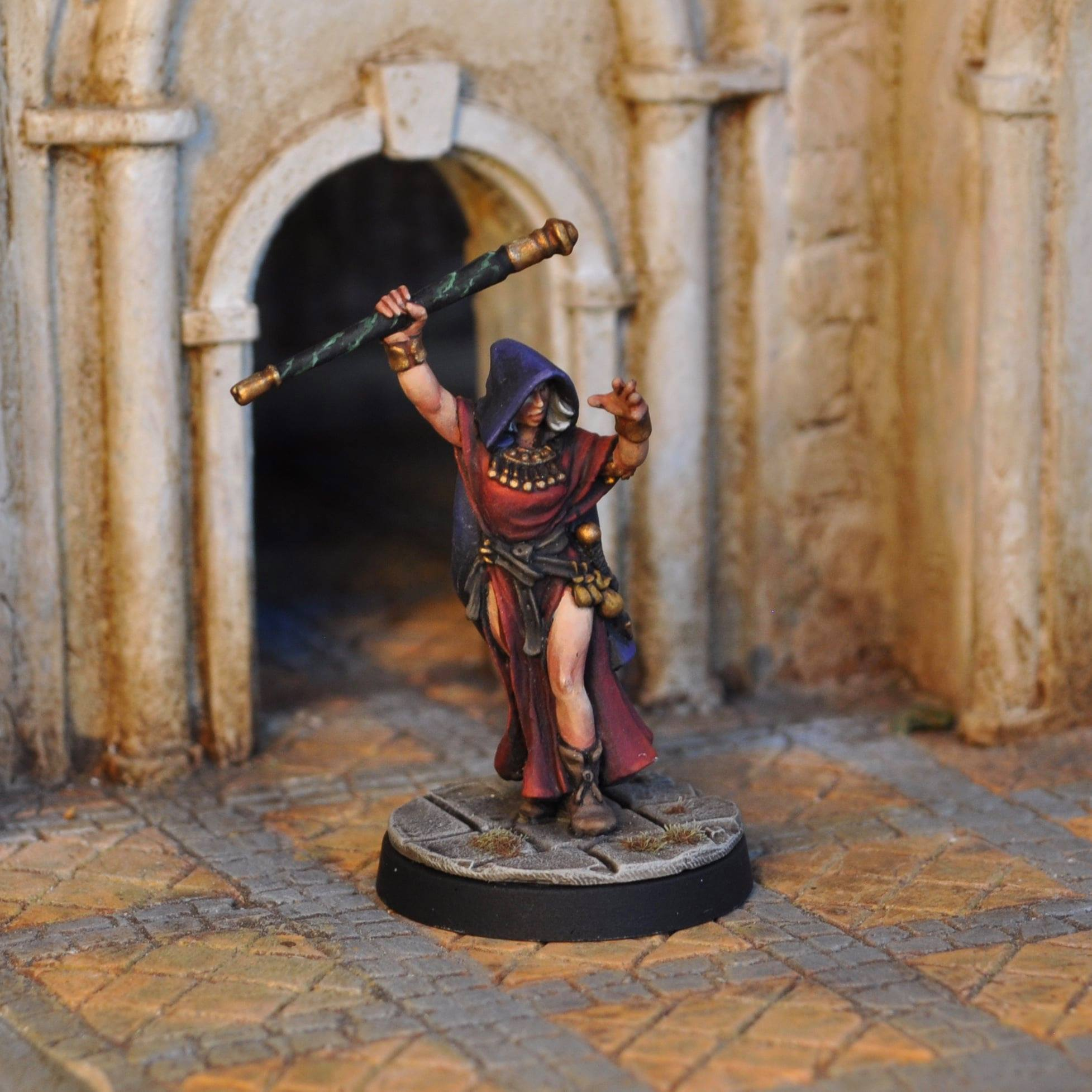 Female Sorceress - Otherworld Miniatures