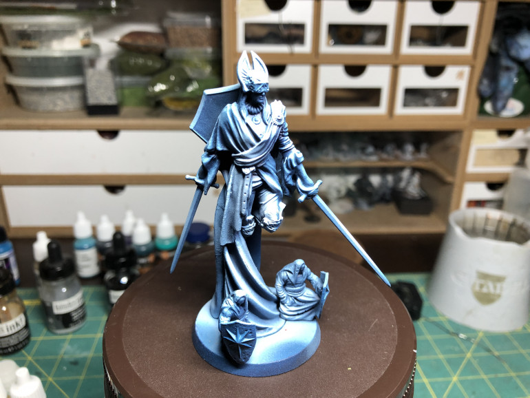 Providence was zenithal primed using dark blue/medium blue/light blue, in the same fashion as the other virtues and to remain in the same vibe.