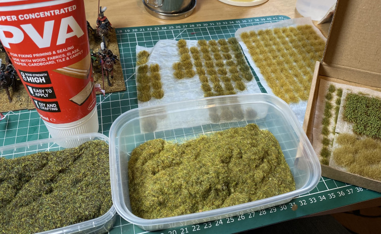 The variety of green stuff for basing - static grass and tufts.