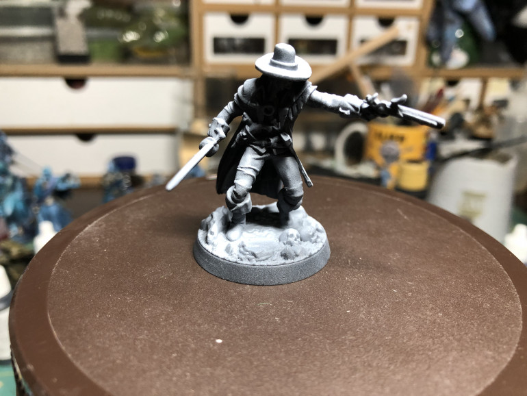 Solomon Kane was, a usual, zenithal primed with black/grey/white.