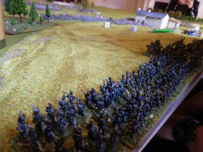 Reinforcements for the allies appear from the rear in the form of black Brunswickers as the Brits deploy at the base of the hill