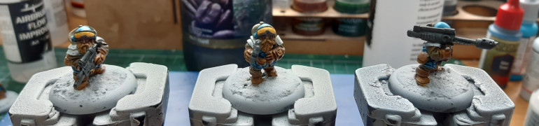 Then a glaze of Iyanden yellow.