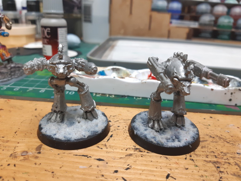 Next up some warhounds getting their pumice basing