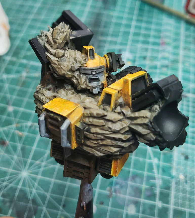 Yellow and rock colour clash test
