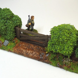 Streetscape: 20/28mm Bocage Hedgerow Scenery Set